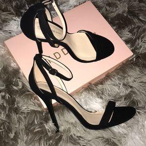 BNWT ✨🏷👠Wild Diva Ankle Strap Heel